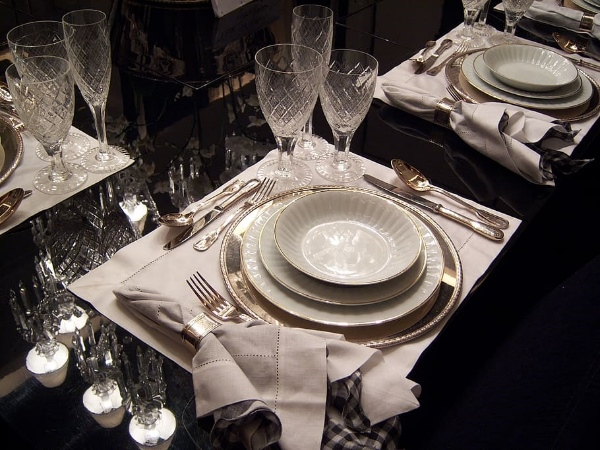 CC931 dining-table-dishes-cutlery-bowls.jpg